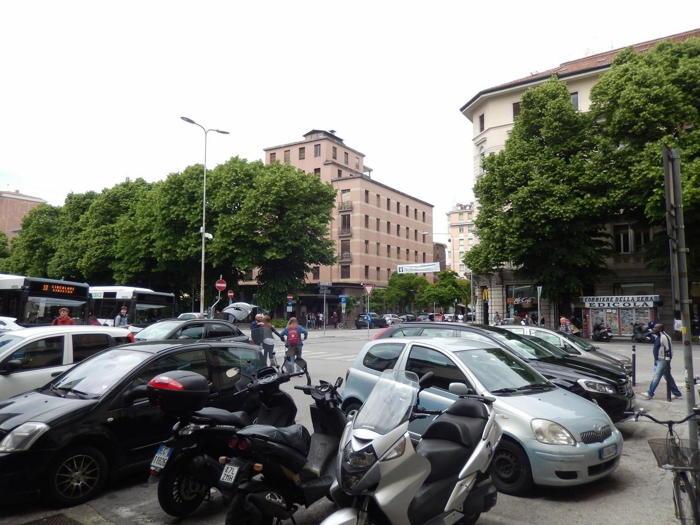 Vorm Bahnhof in Udine